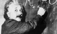 Albert-Einstein-007